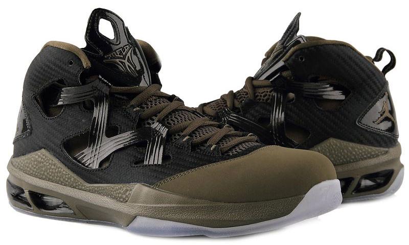 jordan-melo-m9-black-squadron-green-black-3