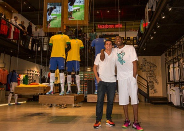 kobe-bryant-kicks-off-black-mamba-tour-in-brazil-3