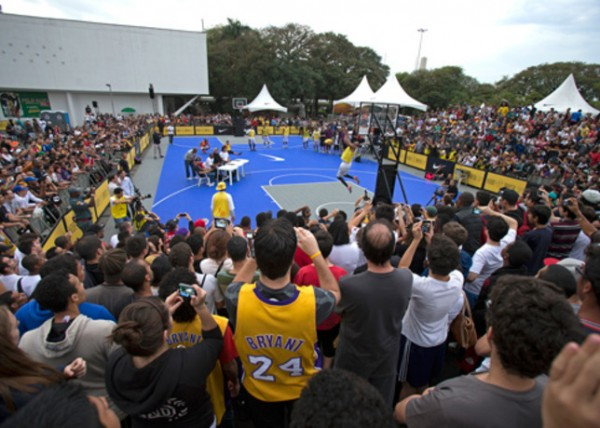 kobe-bryant-kicks-off-black-mamba-tour-in-brazil-7