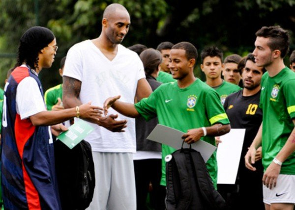 kobe-bryant-kicks-off-black-mamba-tour-in-brazil-9