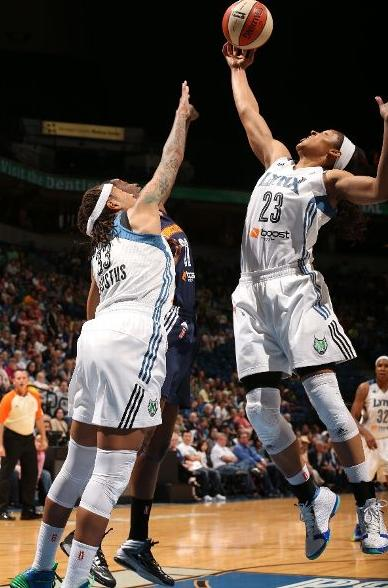 maya-moore-dominates-connecticut-in-air-jordan-xx3-23-pe-2