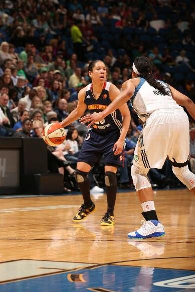 maya-moore-dominates-connecticut-in-air-jordan-xx3-23-pe-4