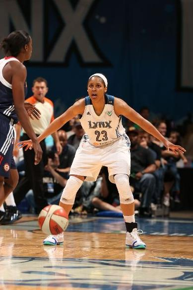 maya-moore-dominates-connecticut-in-air-jordan-xx3-23-pe-5