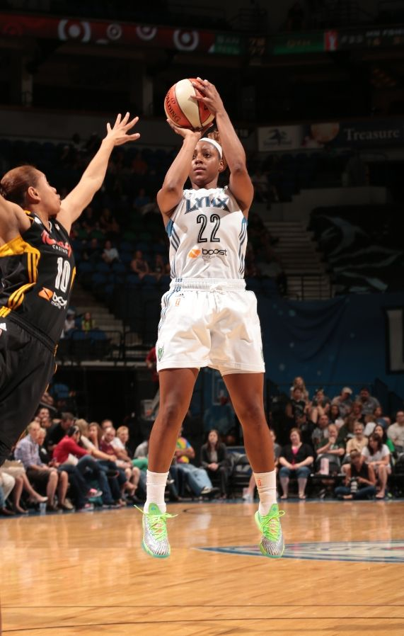 monica-wright-spotted-in-nike-kd-vi-6-dc-preheat-2