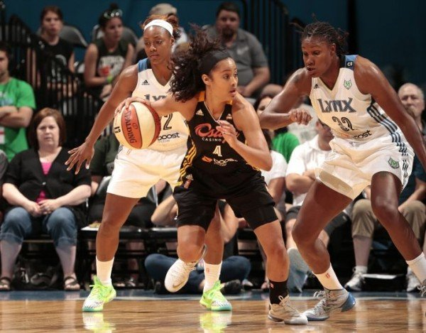 monica-wright-spotted-in-nike-kd-vi-6-dc-preheat-5