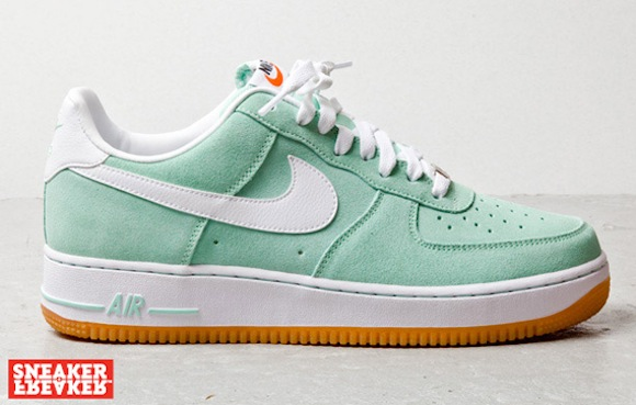 nike air force 1 low arcticgreenwhitegum3
