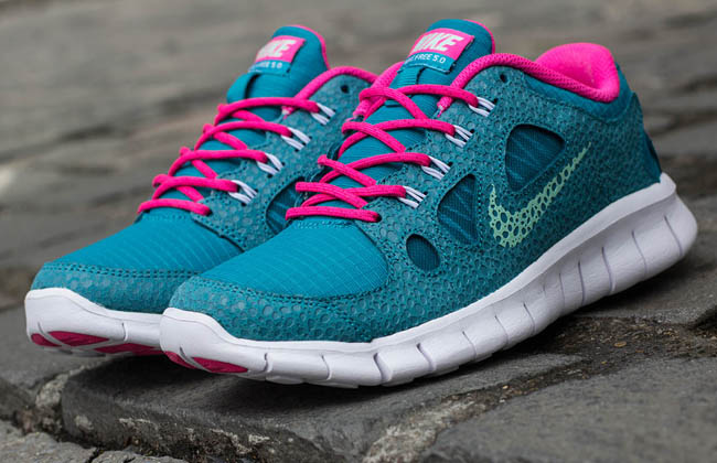 nike-free-5.0-gs-tropical-teal -arctic-green-pink-flash-3