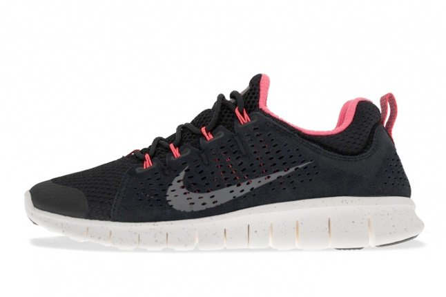 nike-free-powerlines-ii-black-sail-metallic-silver-1