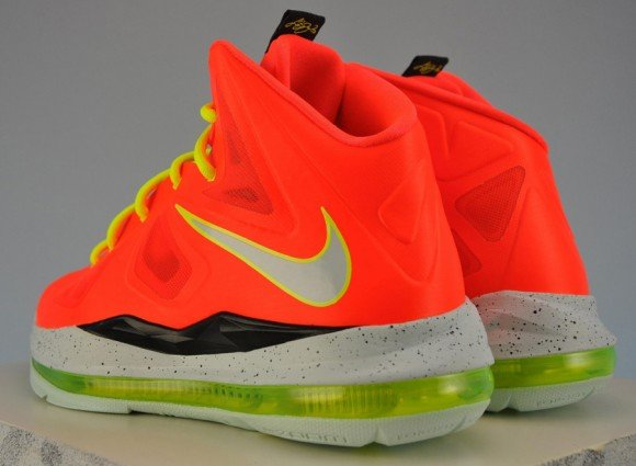 Nike LeBron X GS Total Crimson