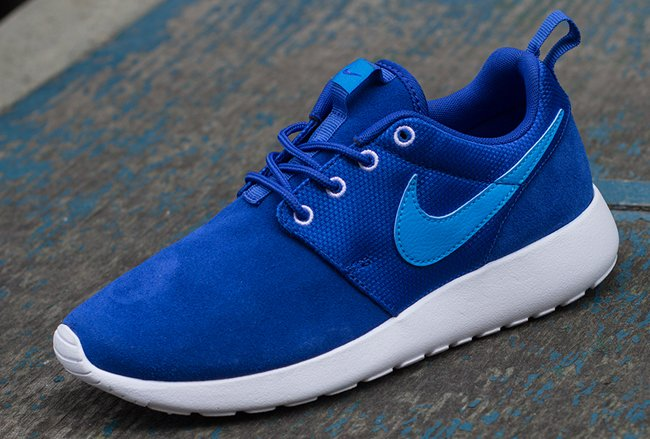 nike roshe run color blue