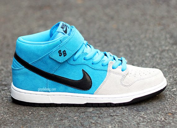 Nike SB Dunk Beavis and Butthead Pack