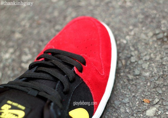 nike-sb-dunk-low-red-black-yellow-6