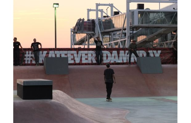 nike-sb-hosts-skateeverydamnday-skateboarding-event-in-new-york-city-and-beyond-21