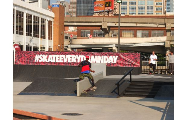 nike-sb-hosts-skateeverydamnday-skateboarding-event-in-new-york-city-and-beyond-5