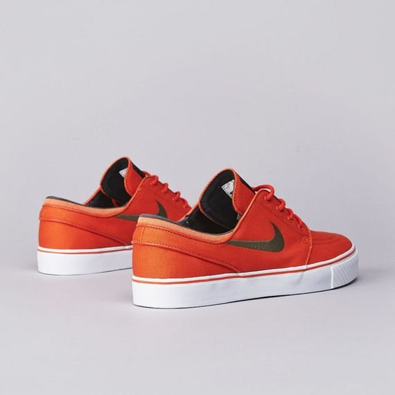 nike-sb-stefan-janoski-urban-orange-medium-olive-black-now-available-3