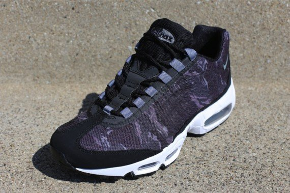 now-available-nike-air-max-95-tape-camo-1Now Available Nike Air Max 95 Tape Camo