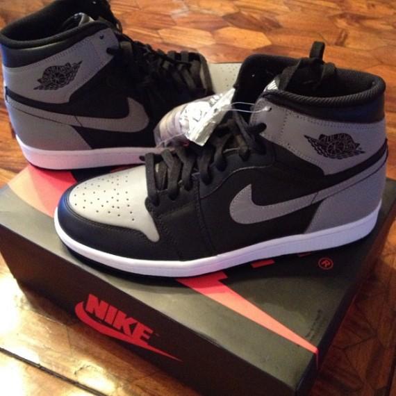 Shadow Air Jordan 1 Quick Look