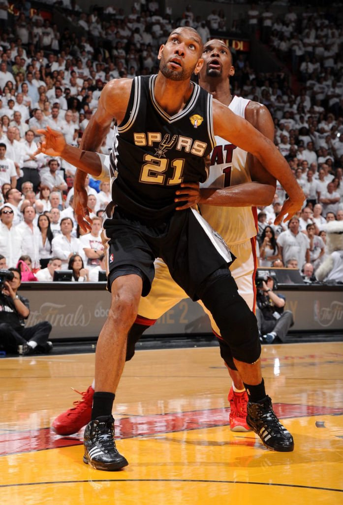 tim-duncan-balls-hard-in-adidas-crazyquick-pe-3
