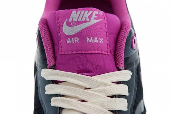 Air Max 1 WMNS CMFT Tape Grey Pink New Release