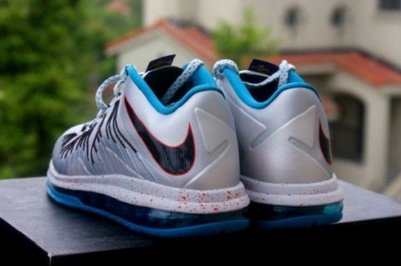 """Lebron X Low """"Hornets"""" – Release Reminder"""