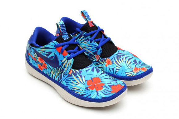 Nike Solarsoft Moccasin Floral Print Pack Another Look 02