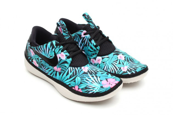 info for 377d6 af8bb Nike Solarsoft Moccasin Floral Print Pack Another Look