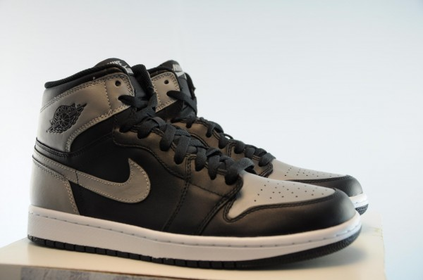 air-jordan-1-high-og-shadow-release-date-info-1