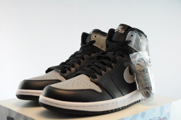 air-jordan-1-high-og-shadow-release-date-info-2