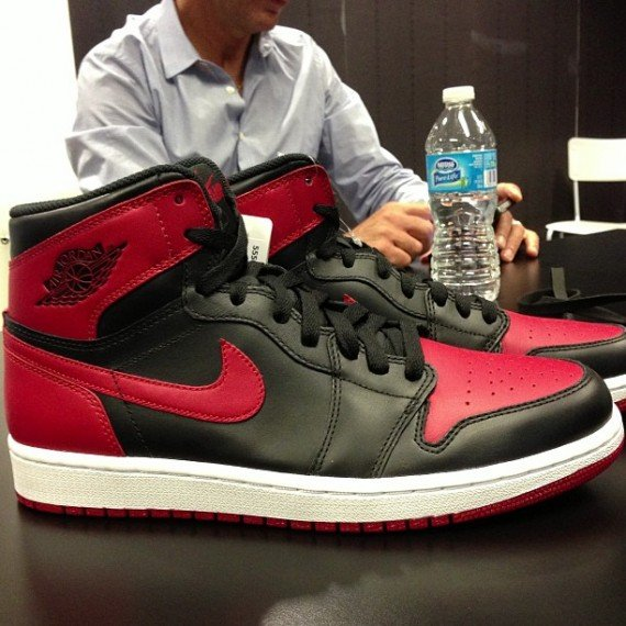 Air Jordan 1 Retro High OG Bred 2013 Retro First Look