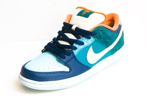 mia-skateshop-nike-sb-dunk-low-arriving-at-retailers-3