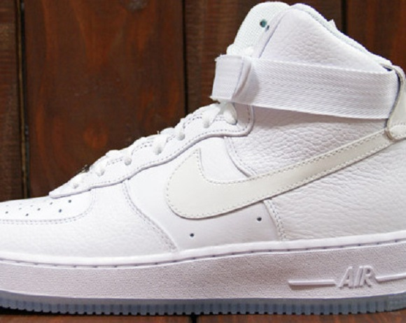 Nike Air Force 1 Hi CMFT QS White Ice Detailed Look