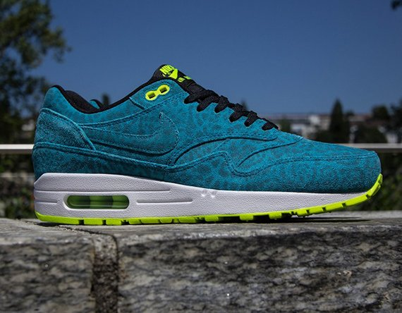 big sale 7cf42 5e8f3 Nike Air Max 1 FB Blue Leopard Now Available   Titolo