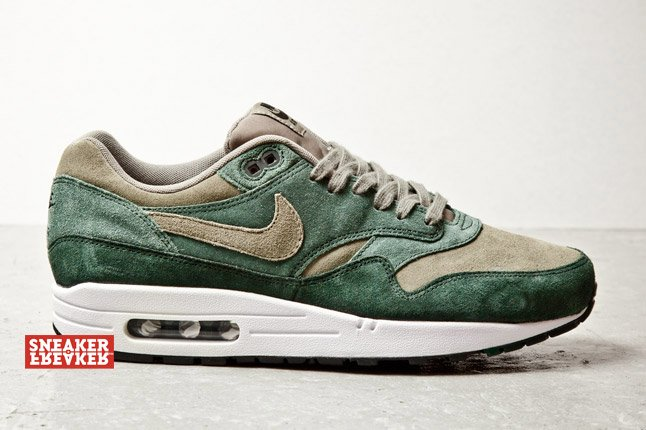 nike-air-max-1-green-suede-2
