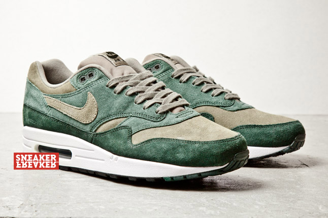 nike-air-max-1-green-suede-3