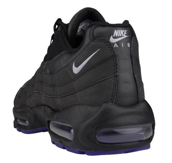 nike-air-max-95-black-court-purple-wolf-grey-3
