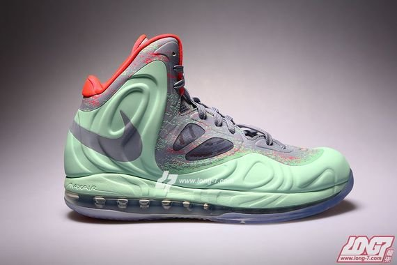nike-air-max-hyperposite-christmas-release-date-info-1