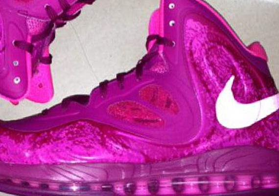 Nike Air Max Hyperposite Pink