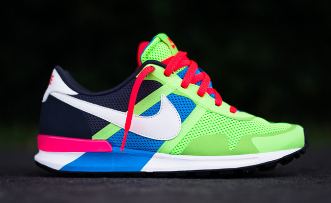 nike-air-pegasus-8330-blue-hero-flash-lime-1
