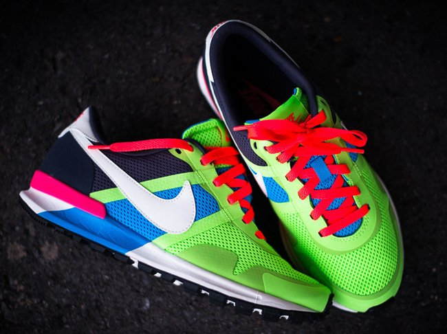 nike-air-pegasus-8330-blue-hero-flash-lime-6