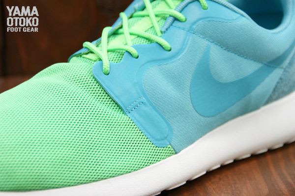 nike-roshe-run-hyperfuse-qs-pack-new-images-15