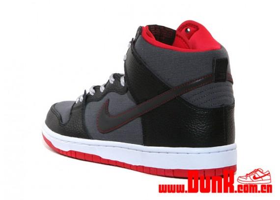 nike-sb-dunk-high-black-red-grey-rip-stop-5