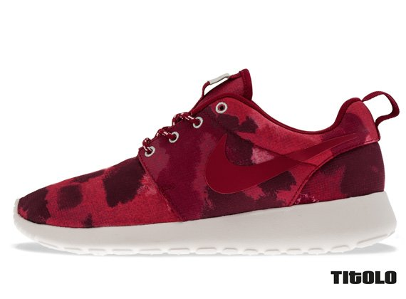 Nike WMNS Roshe Run Fusion Red Camo