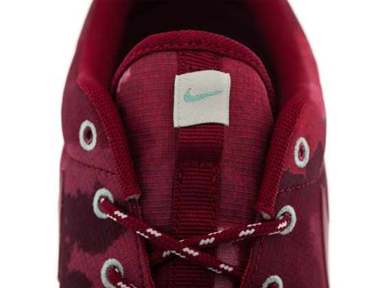 Nike WMNS Roshe Run Fusion Red Camo