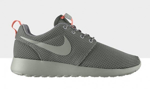 nike-wmns-roshe-run-mercury-grey-grey-atomic-pink