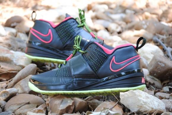 Nike Zoom Revis Yeezy Custom Megasoria1