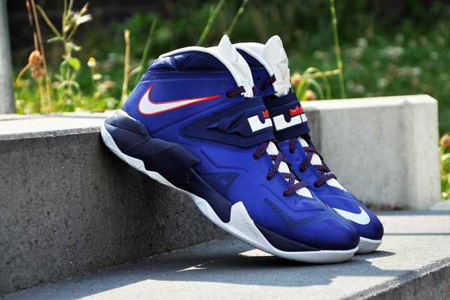9d34c098b300 Nike LeBron Zoom Soldier VII (7)  Deep Royal Blue