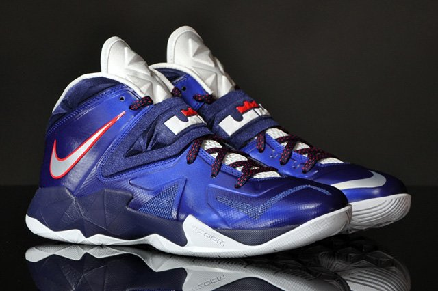 2100e996aee4e lebron zoom soldier 7 purple