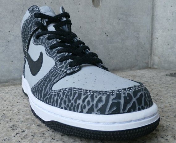 NIKEiD Dunk High Elephant Option Samples