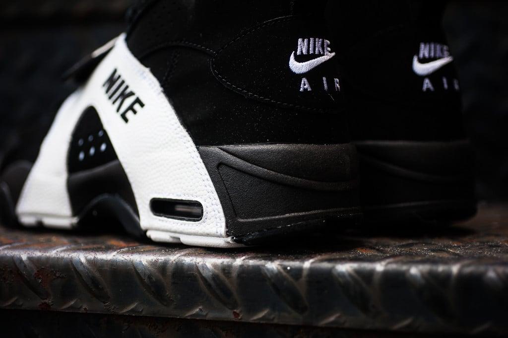release-reminder-nike-air-veer-black-black-white-3