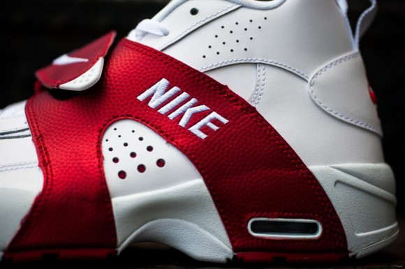release-reminder-nike-air-veer-white-white-university-red-2